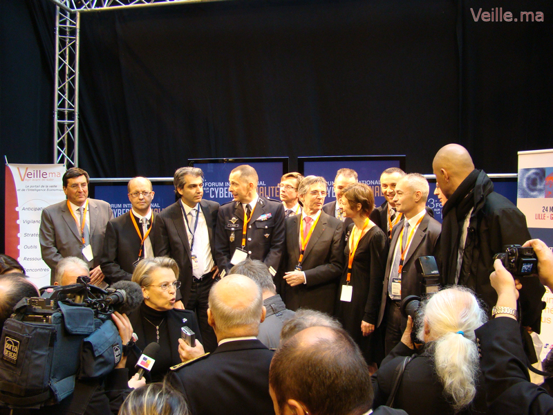 Conférence de presse de Madame Michel Alliot Marie.
